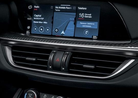 Alfa Romeo Stelvio Quadrifoglio Touchscreen