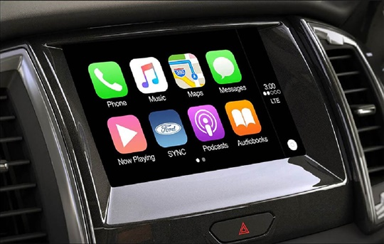 Apple Car Play & Android Auto