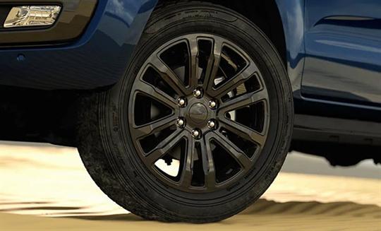 """20"""" black alloy wheels"""