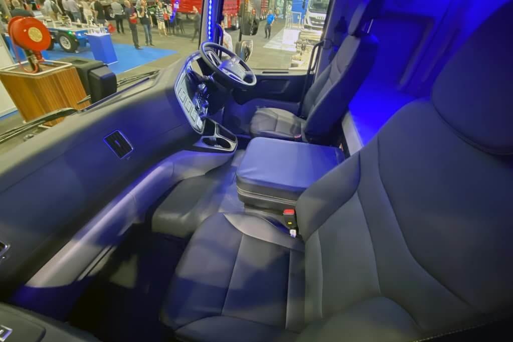 EX10 Super Cab