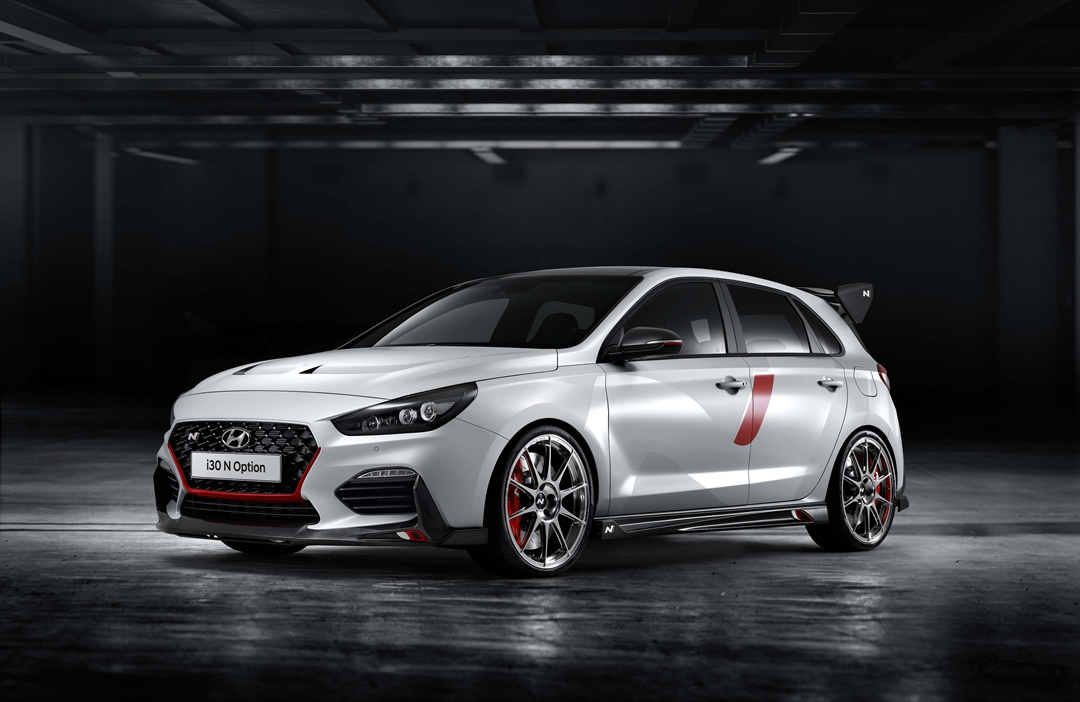 At this year's Paris Motor Show, Hyundai Motor is celebrating the world premiere of its ultimate performance show car: the i30 N 'N Option'.