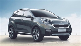 KX3 - The KX3 concept blends an SUV silhouette with sporty looks, featuring a coupé-inspired glass area, small rear spoiler, gently rising belt-line and muscular wheel arches. Kia's trademark 'tiger-nose' grille gets a new matte chrome-look surround,