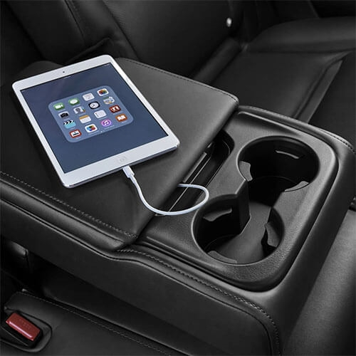 Centre Armrest Storage with USB