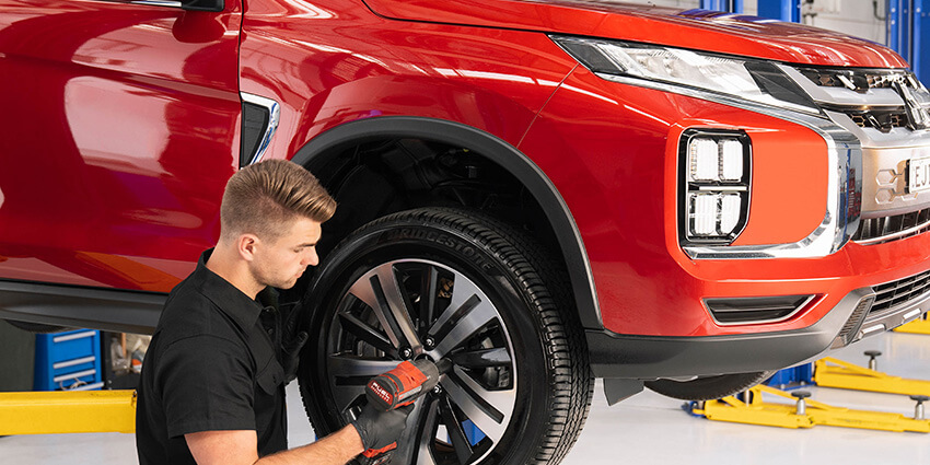 Mitsubishi Mechanic Servicing a Vehicle at Peter Kittle Mitsubishi - Port Lincoln