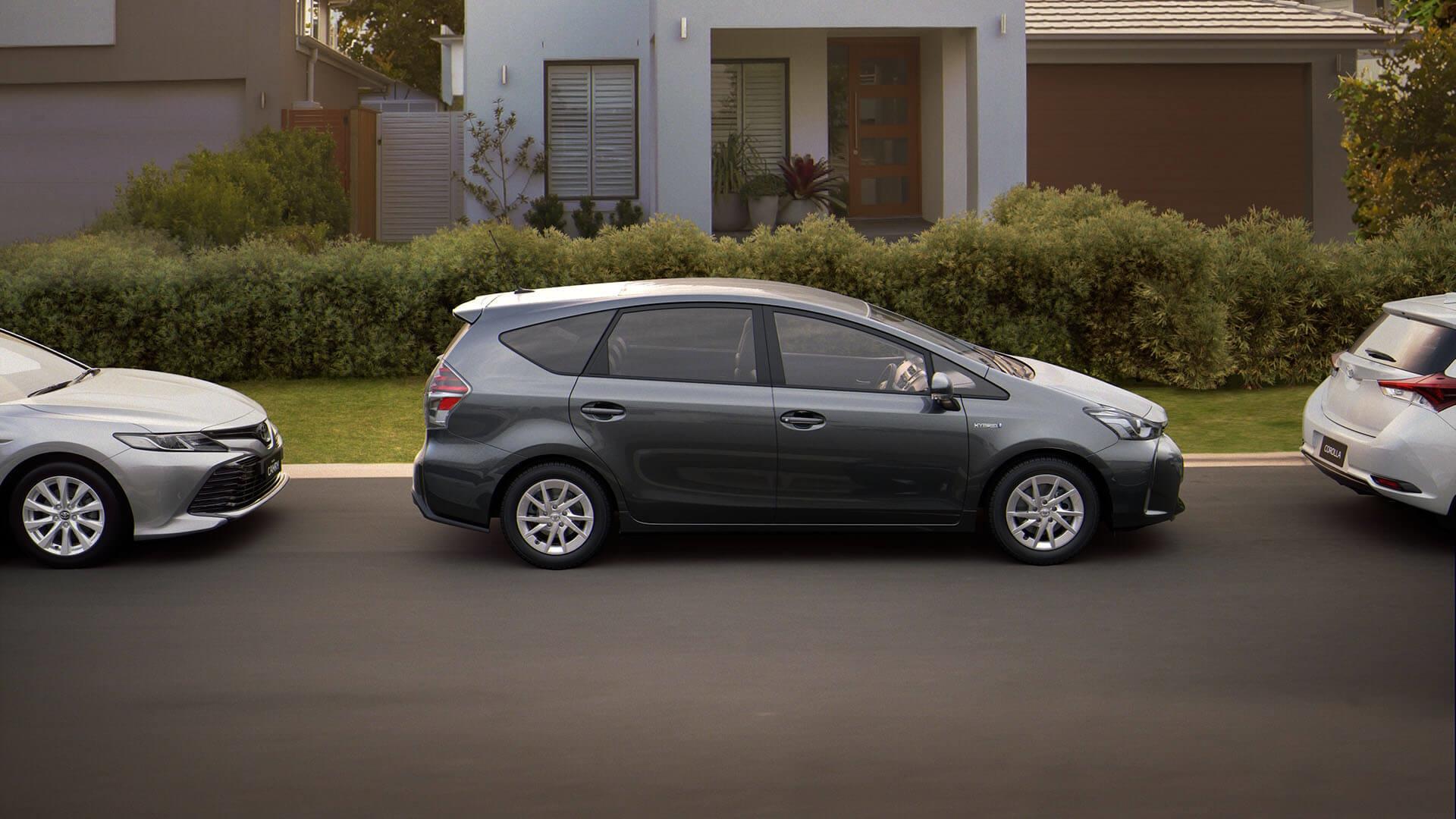 Toyota Prius v Technology